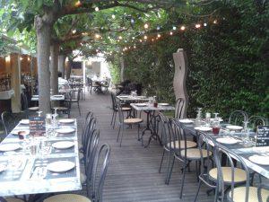 Notre bière artisanale à Béziers est proposée au restaurant les Comédiens (photo de la terrasse)