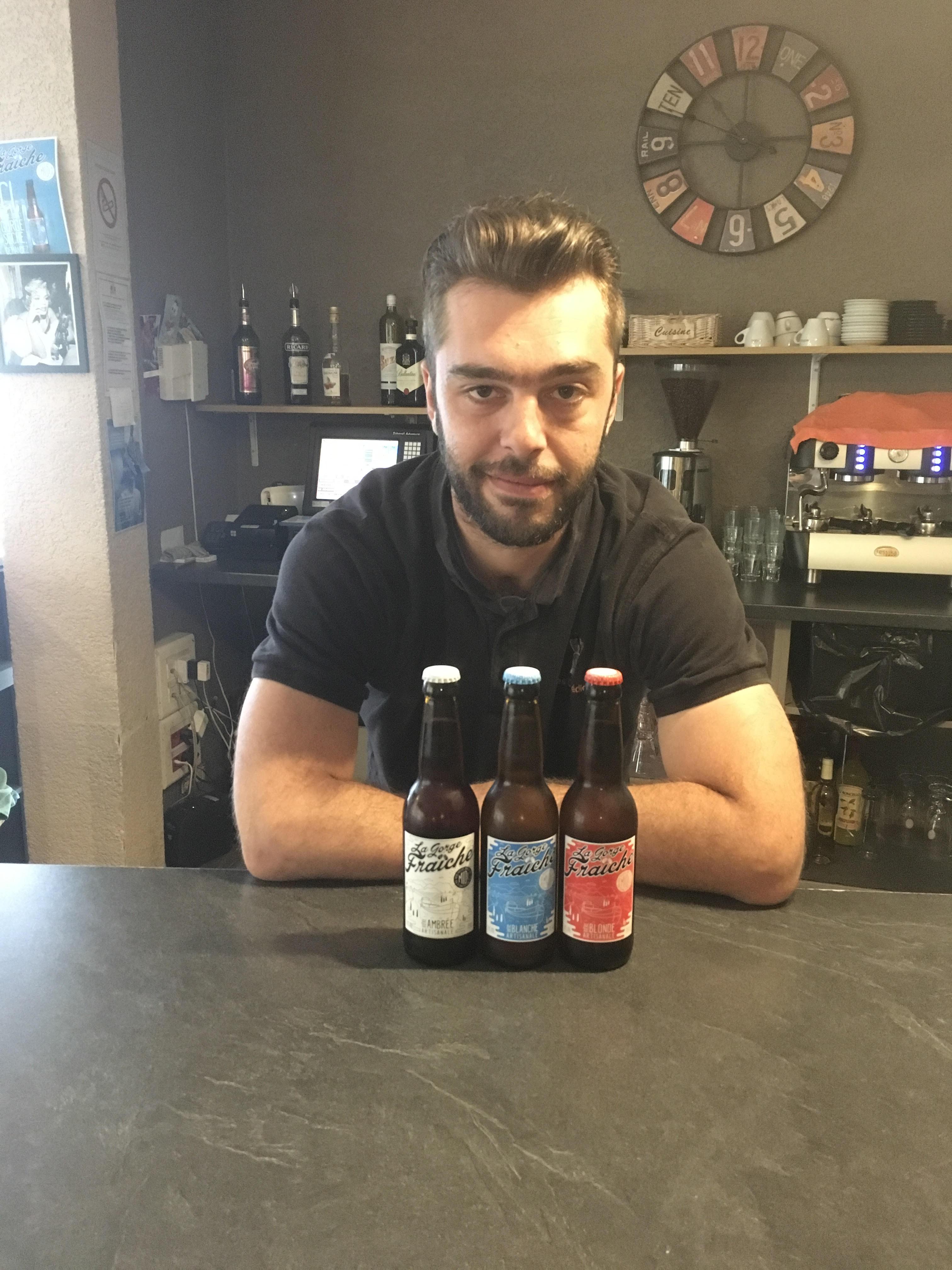 """Notre bière artisanale à Béziers, au restaurant """"Les Comédiens"""" chez Diego"""