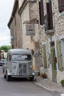 trour à vivez notre bière artisanale près de Narbonne chez le bar à vins oncle jules à ginestas