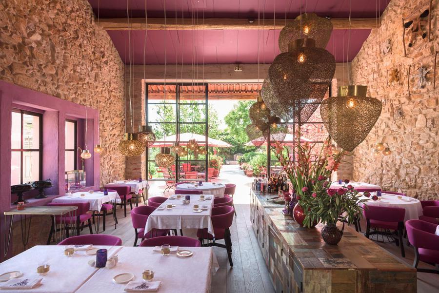 Le restaurant La Table au village castigno à assignan
